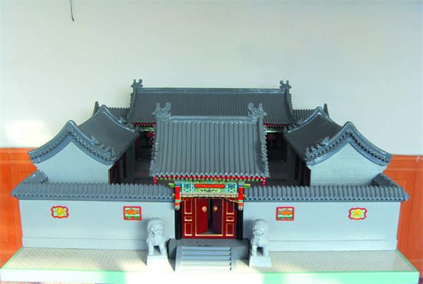 邢坤纸雕作品《老北京四合院》.png